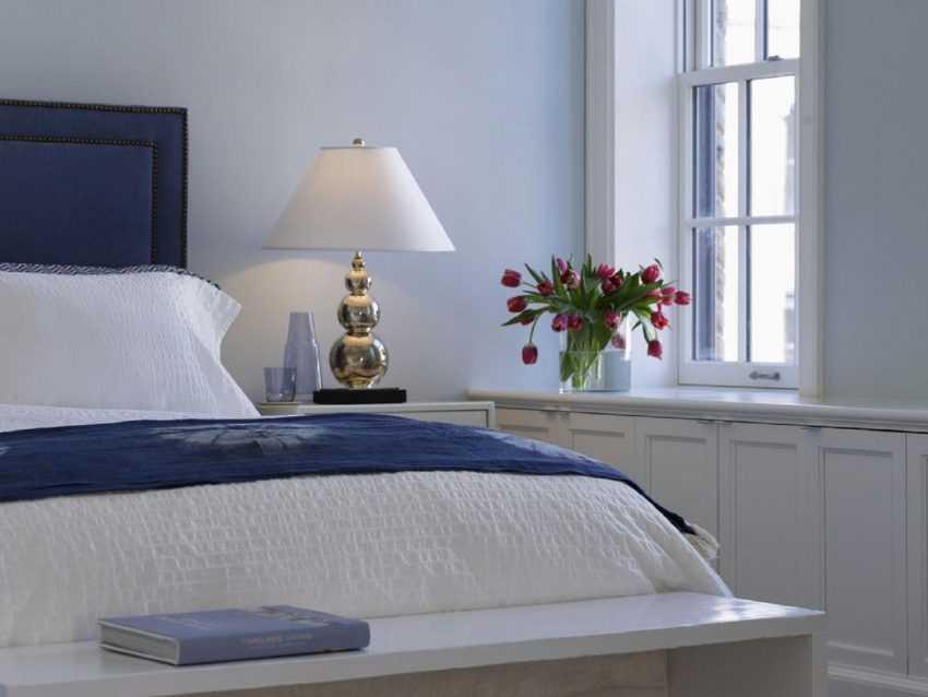 Настольные лампы для спальни: ТОП-200 фото новинок дизайна из каталога 2020 года